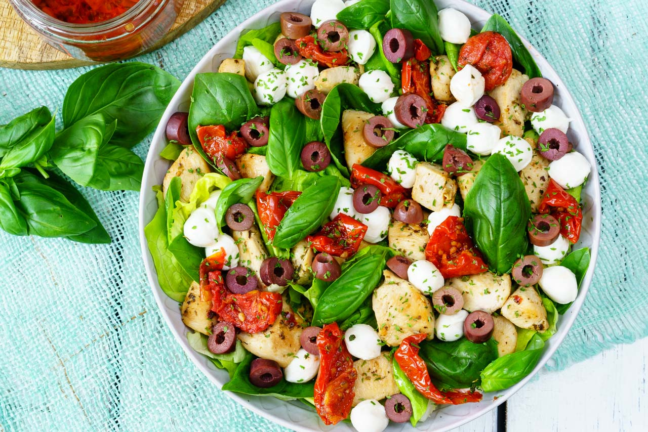 CleanFoodCrush Italian Chicken Salad with Balsamic Dressing Recipe