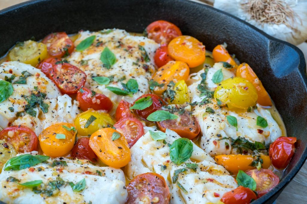 Healthy Eating Cod in Fresh Tomato Basil Sauce