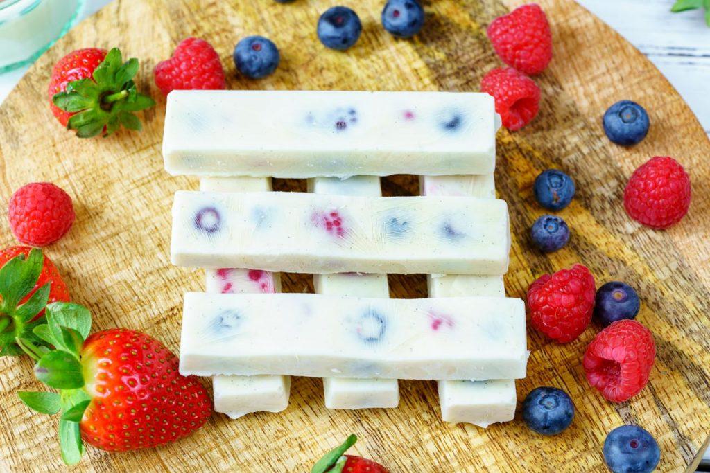 Frozen Yogurt Berry Bites and Smoothie Prep
