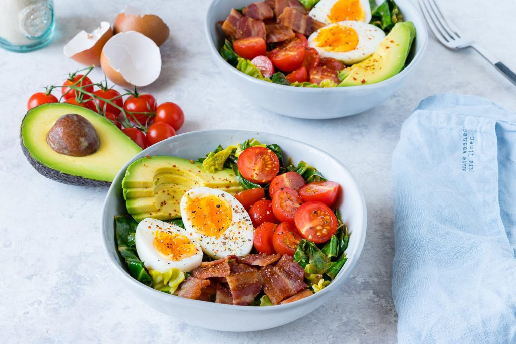 Egg Bacon Lettuce and Tomatoes Bowl