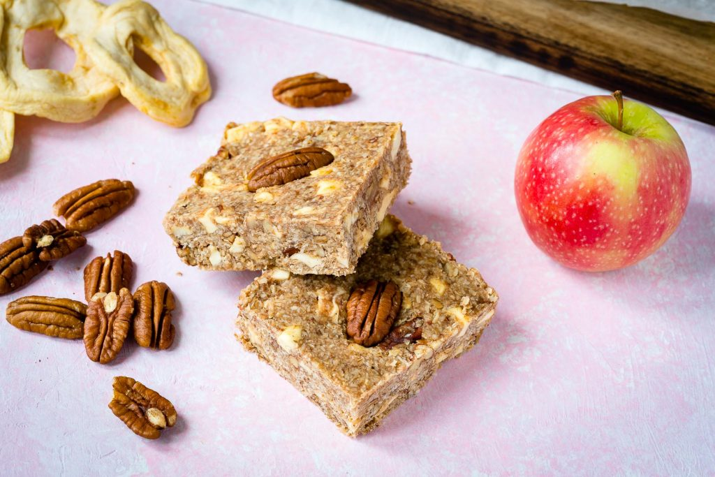 Healthy Apple Pie Energy Bars Recipe
