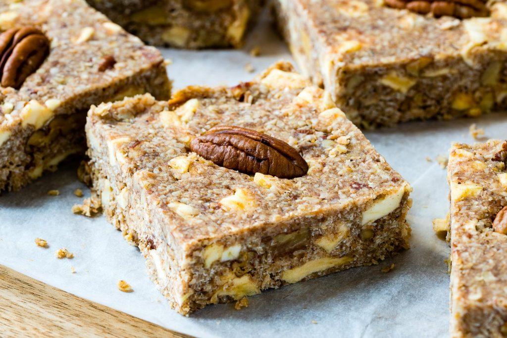 Eat Clean Healthy Apple Pie Energy Bars