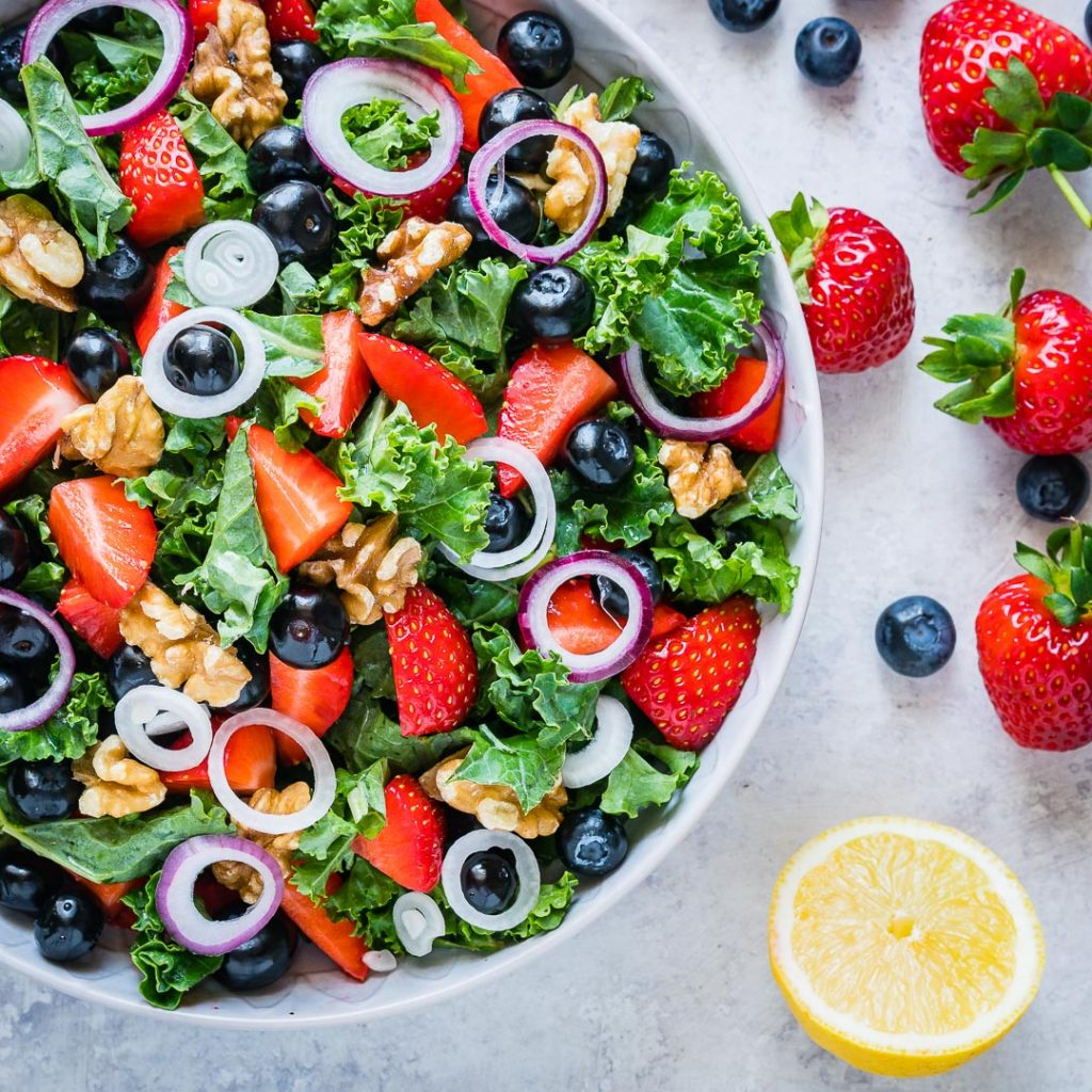 Massaged Kale Fresh Berry Salad with Citrusy Vinaigrette Instructions