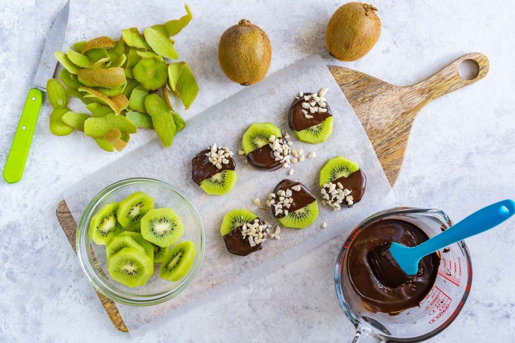 Healthy Chocolate Dipped Kiwi Slices