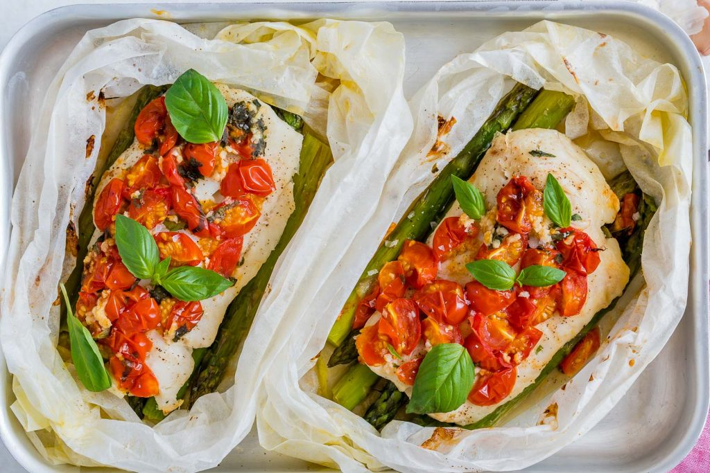 Tomato Basil Oven Roasted Halibut Packets