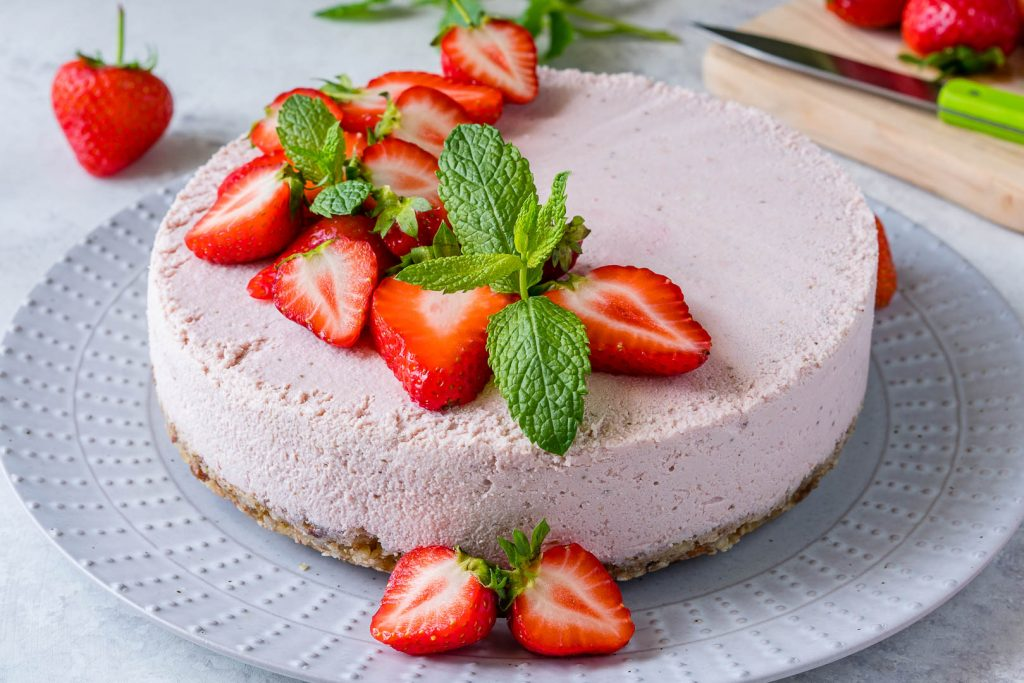 Clean Food No Bake Strawberry Cheesecake