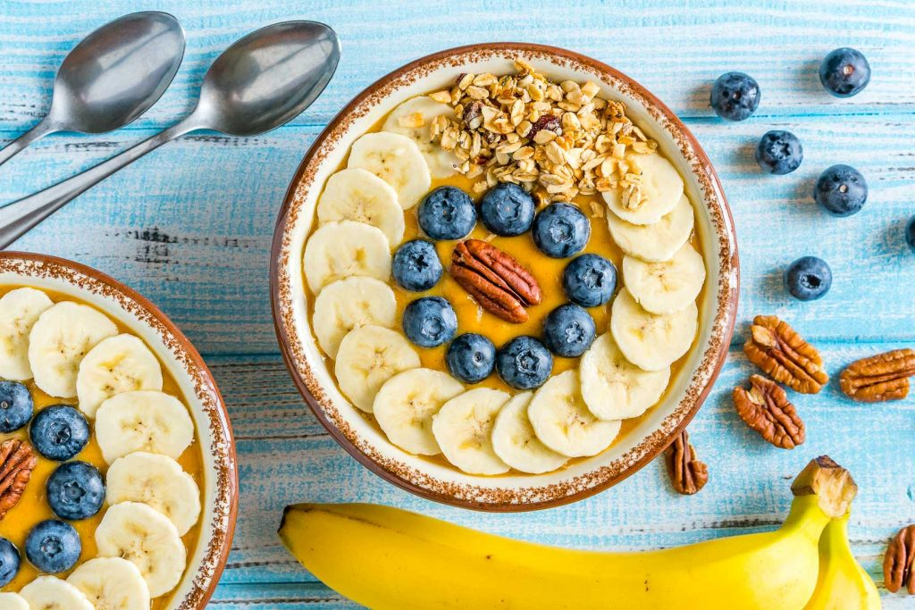 Clean Pumpkin Pie Smoothie Bowls