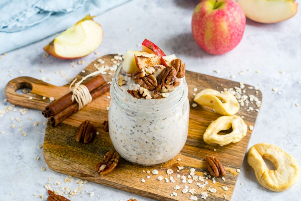 Clean Food Apple Pie Overnight Oats