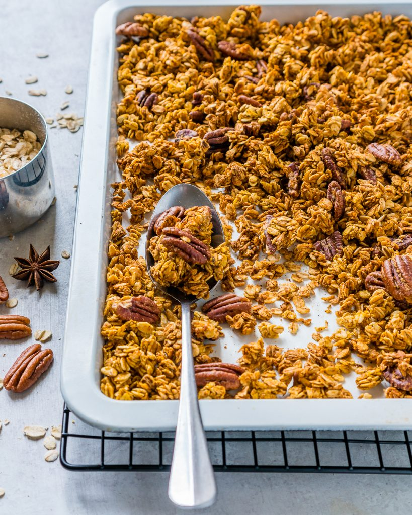Healthy Pumpkin Pie Granola Breakfast