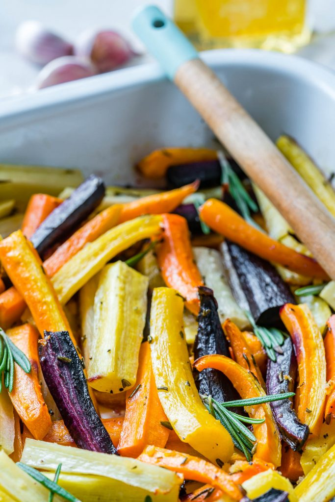 Honey Butter Herb Roasted Carrots Side Dish Recipe