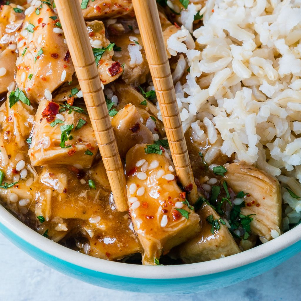 Tangy Crockpot Sesame Chicken with Rice