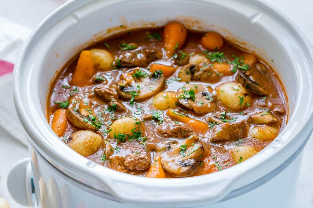 Healthy Slow Cooker Beef Bourguignon