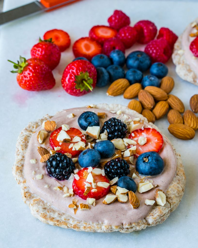 Healthy Mini Superfood Breakfast Pizza