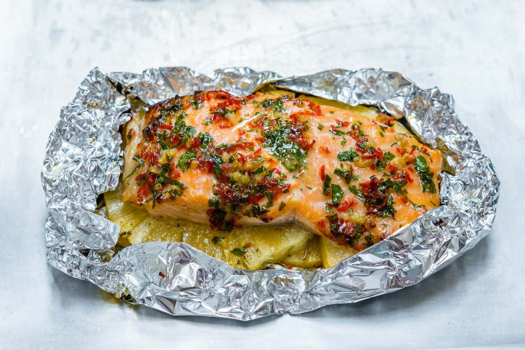 Easy Garlic Butter Salmon Pineapple Packets