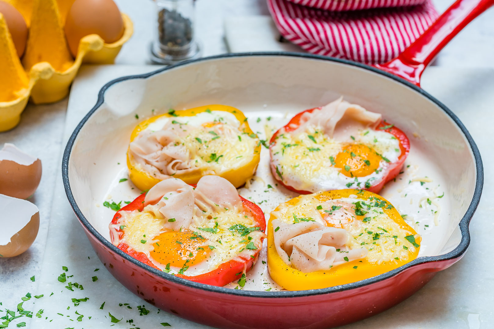 Clean Breakfast Ham Egg Pepper Rings Recipe