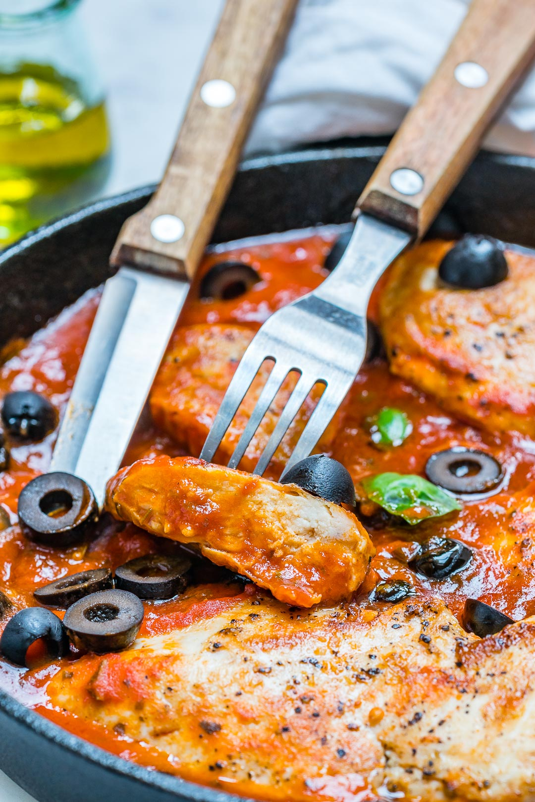 Eat Clean Mediterranean Chicken with Tomato Sauce