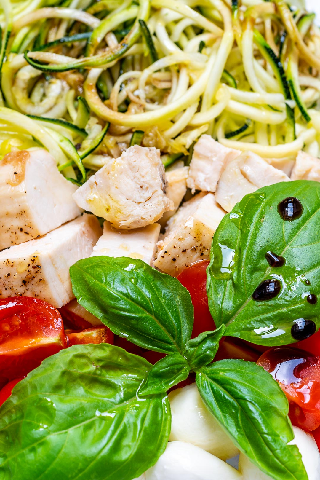 Meal Prep Caprese Chicken Zoodles