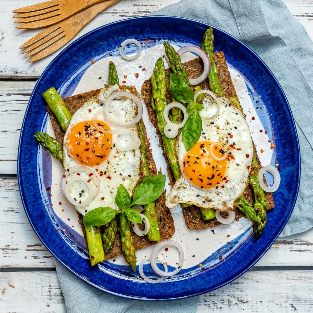 Healthy Breakfast Asparagus Egg Toast