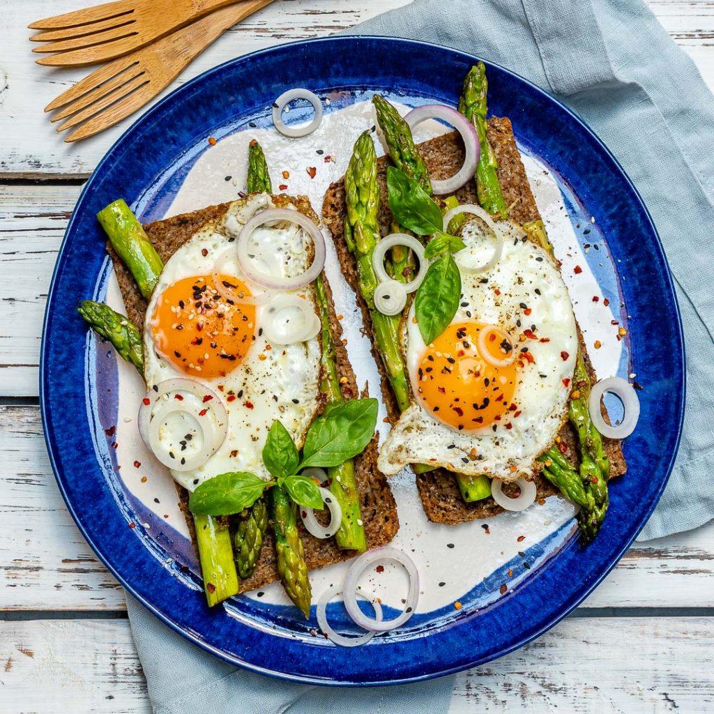Healthy Breakfast Asparagus Egg Toast
