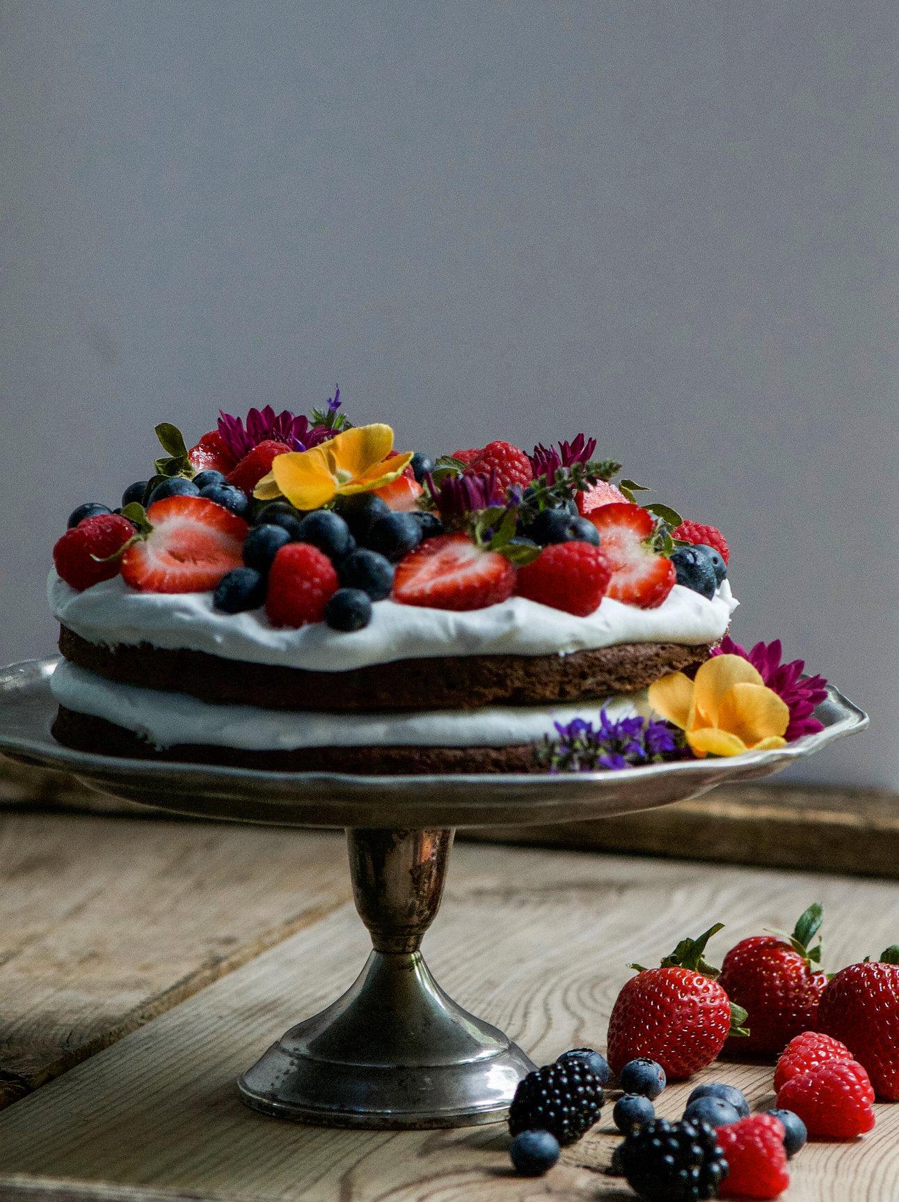 Healthy Clean Chocolate Cake Dessert