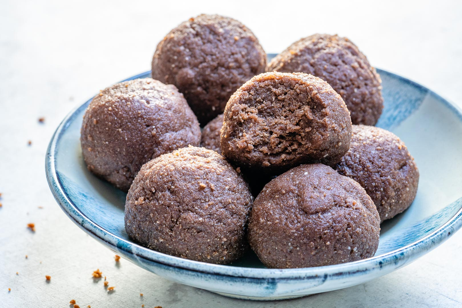 Chocolate PB Protein Balls Clean Snacks Idea