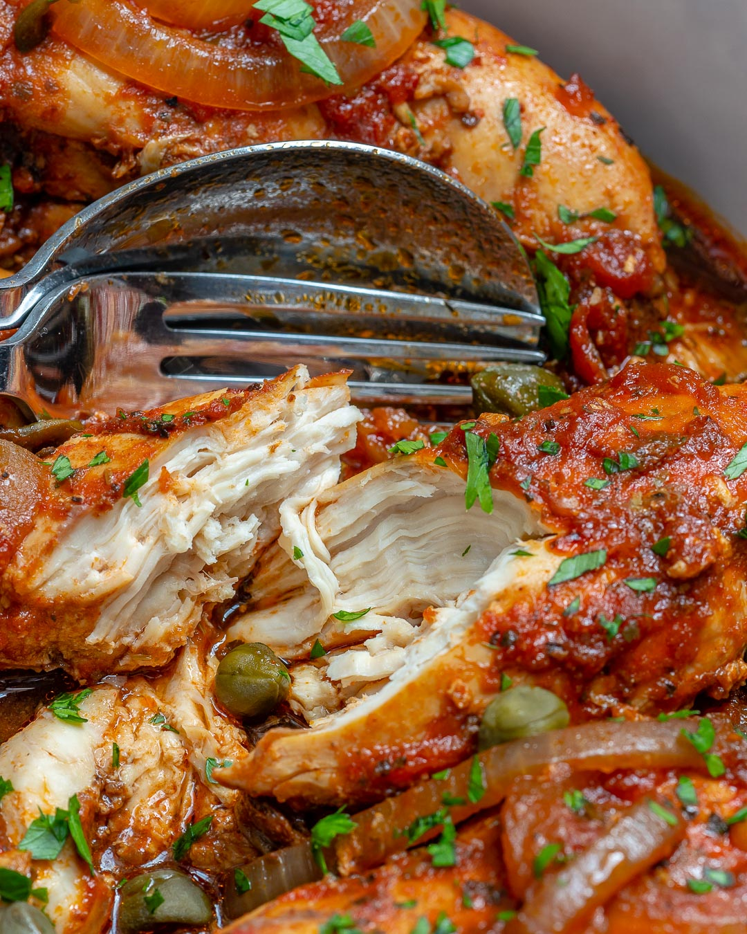 Crockpot Chicken in Tomato Caper Sauce Recipe