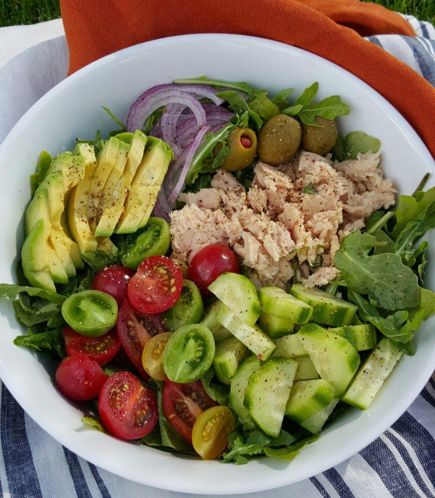 Clean Eating 10 minute Arugula Tuna Avocado