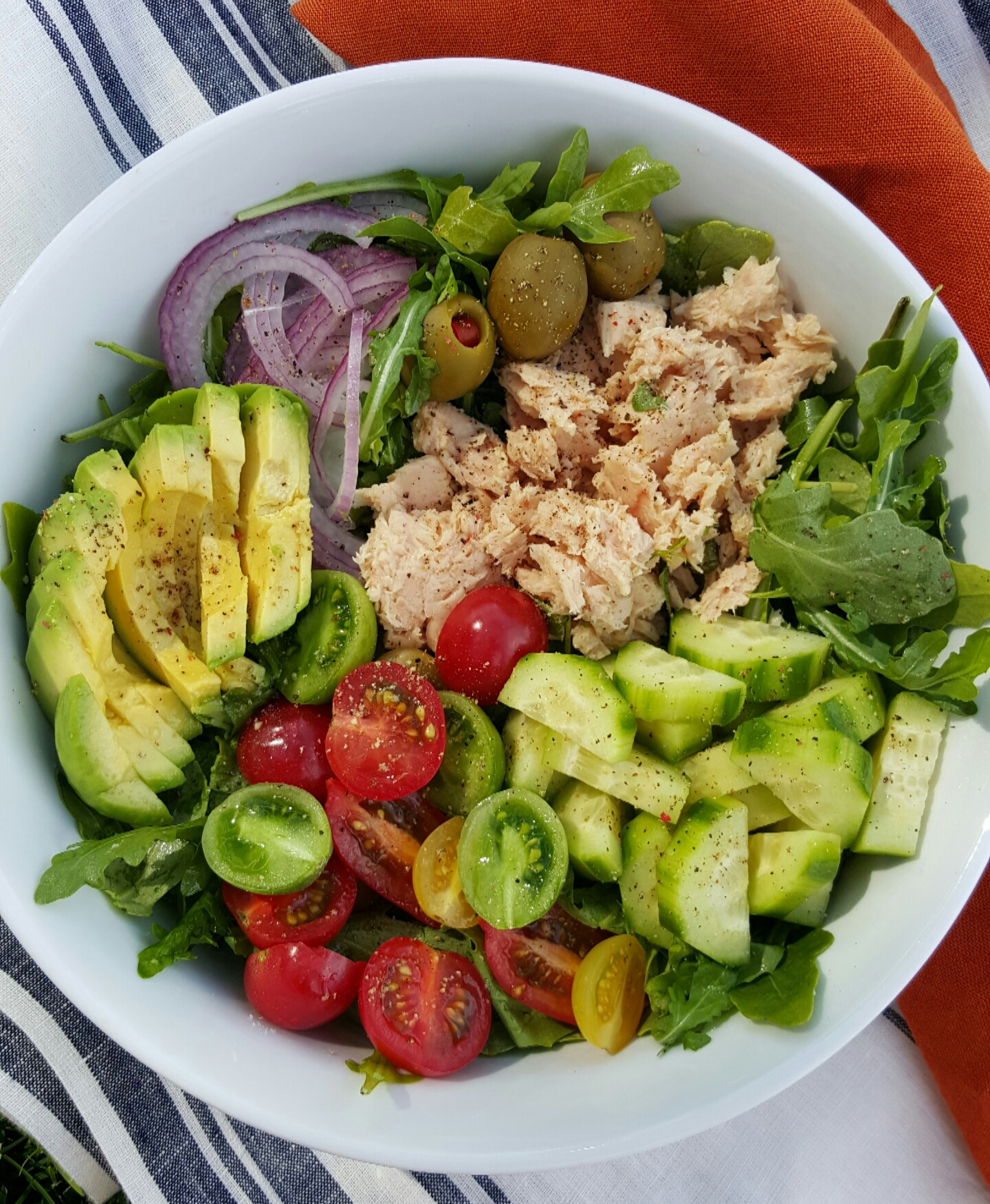 CleanFoodCrush 10-minute Arugula Tuna Avocado