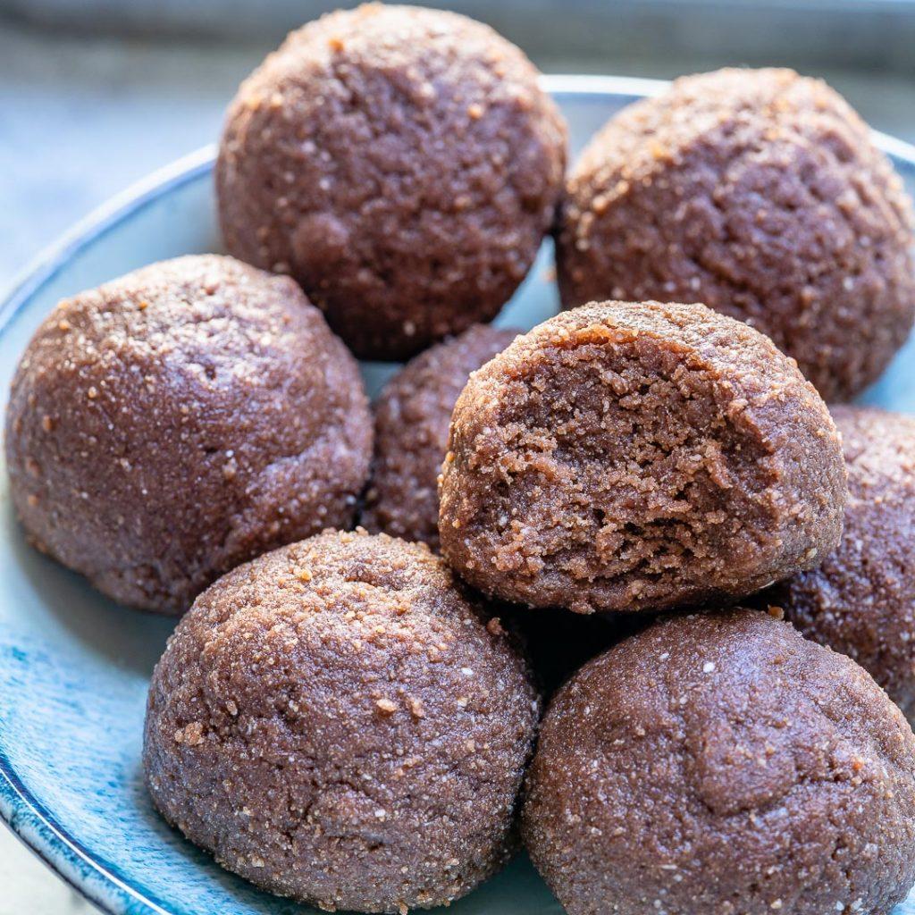 Rachel Maser's Chocolate PB Protein Bites