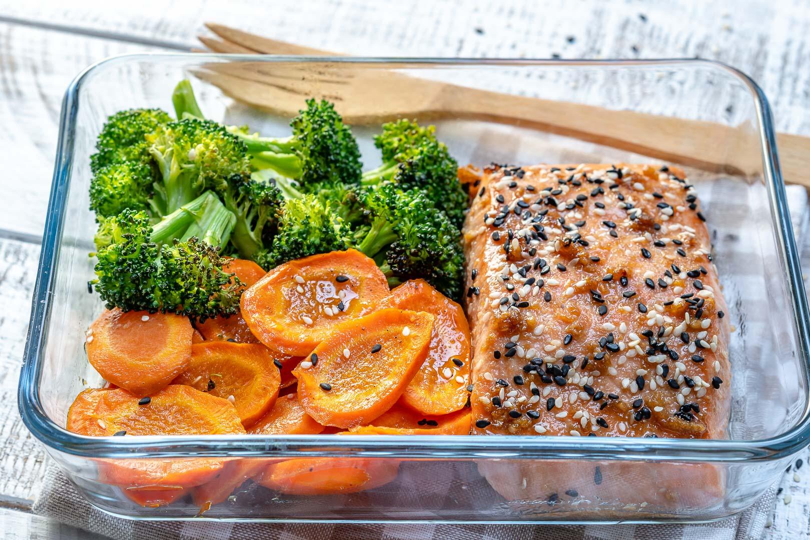 Sesame Seed Teriyaki Salmon with Broccoli Carrots