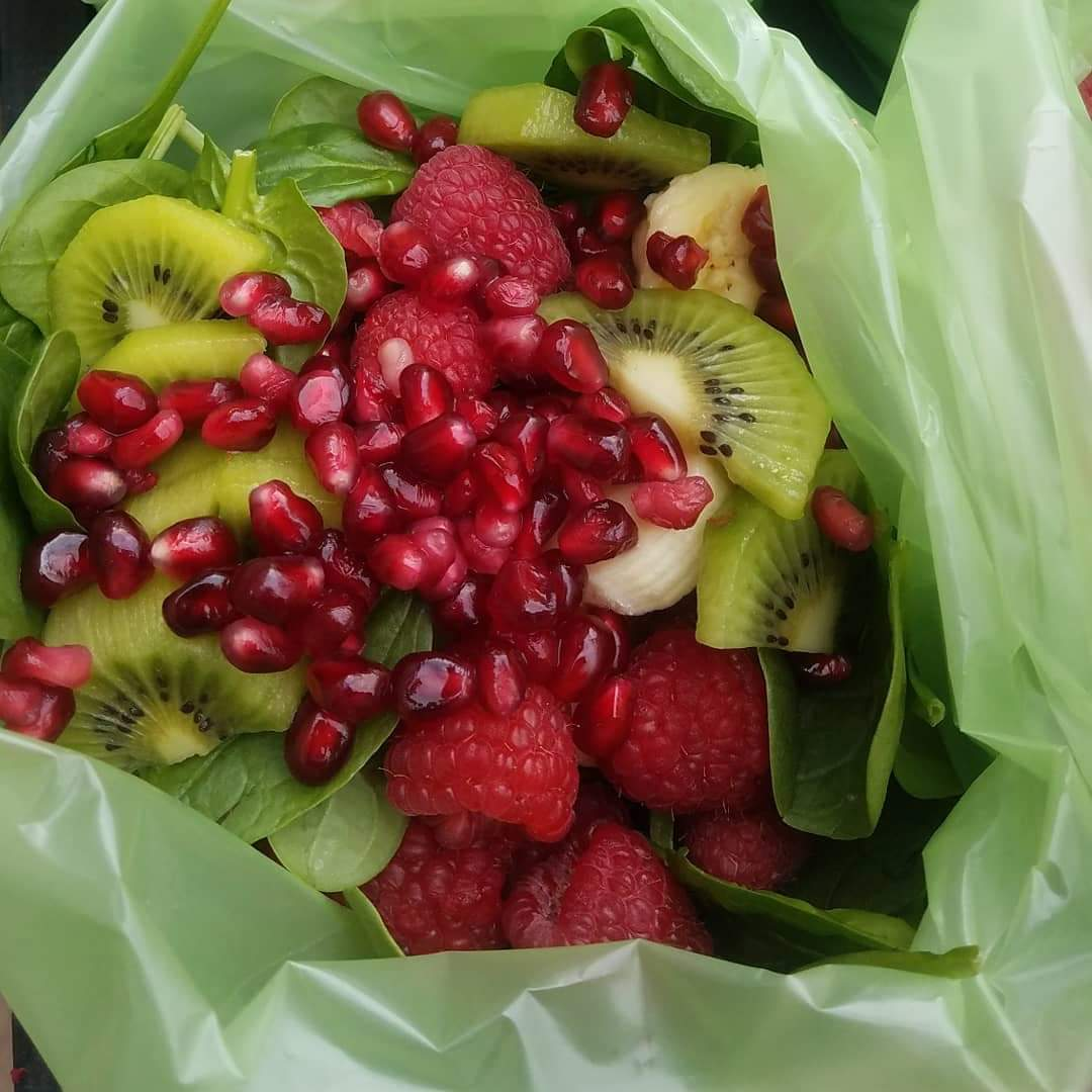 Clean Eats Red Berry Green Smoothie