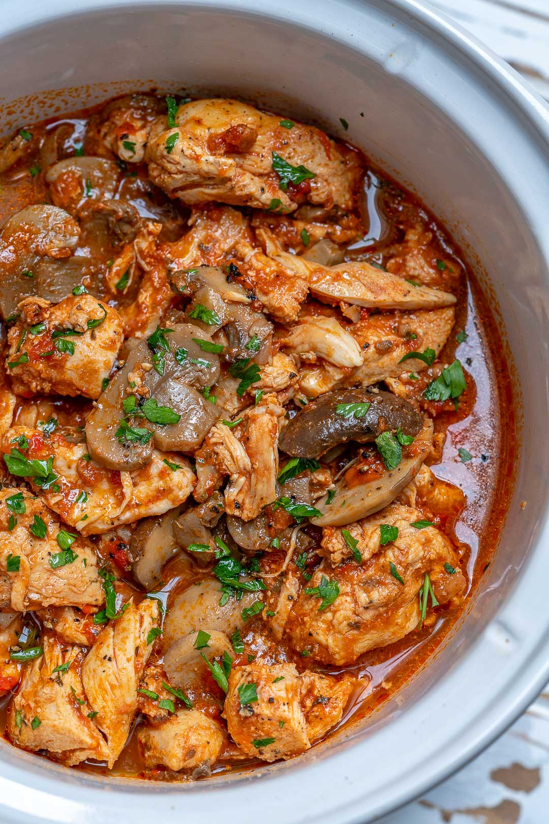 Try This Crockpot Chicken With Peppers And Mushrooms For Clean Eating The Cookbook Network