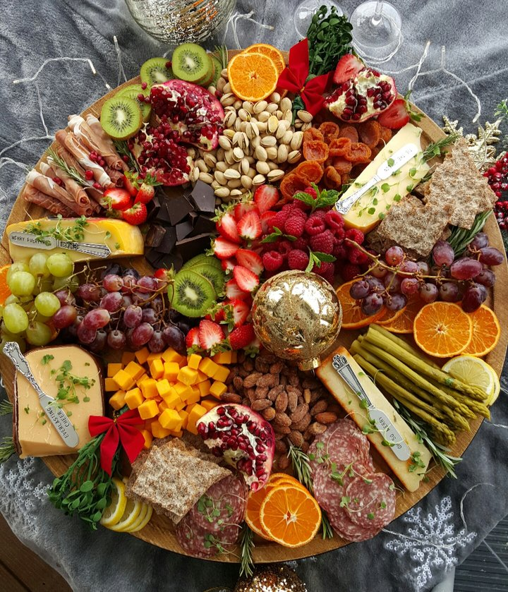 Get your Party Season Started with a Holiday Grazing Board!