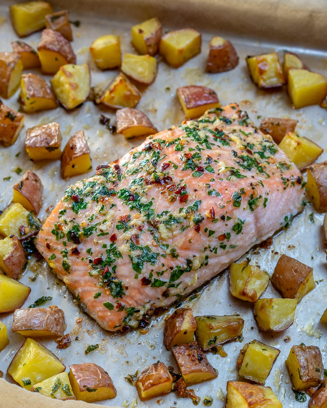One Sheet-Pan Garlic Butter Salmon Ingredients