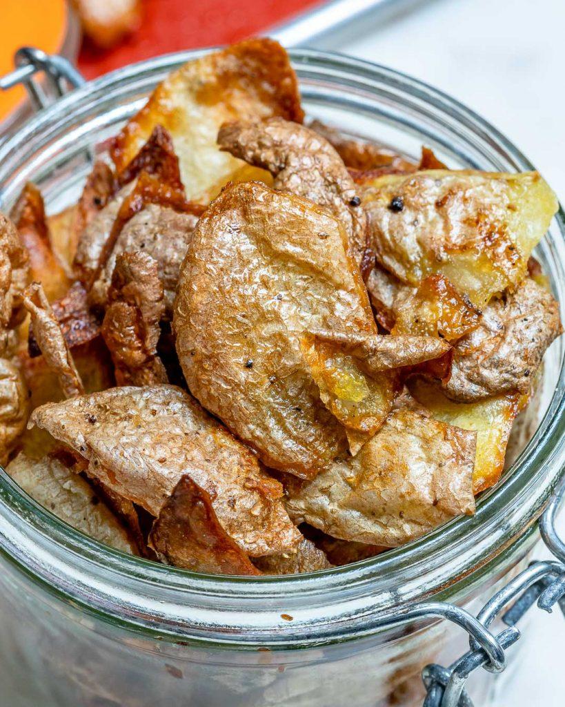 Crispy Baked Potato Peel Chips