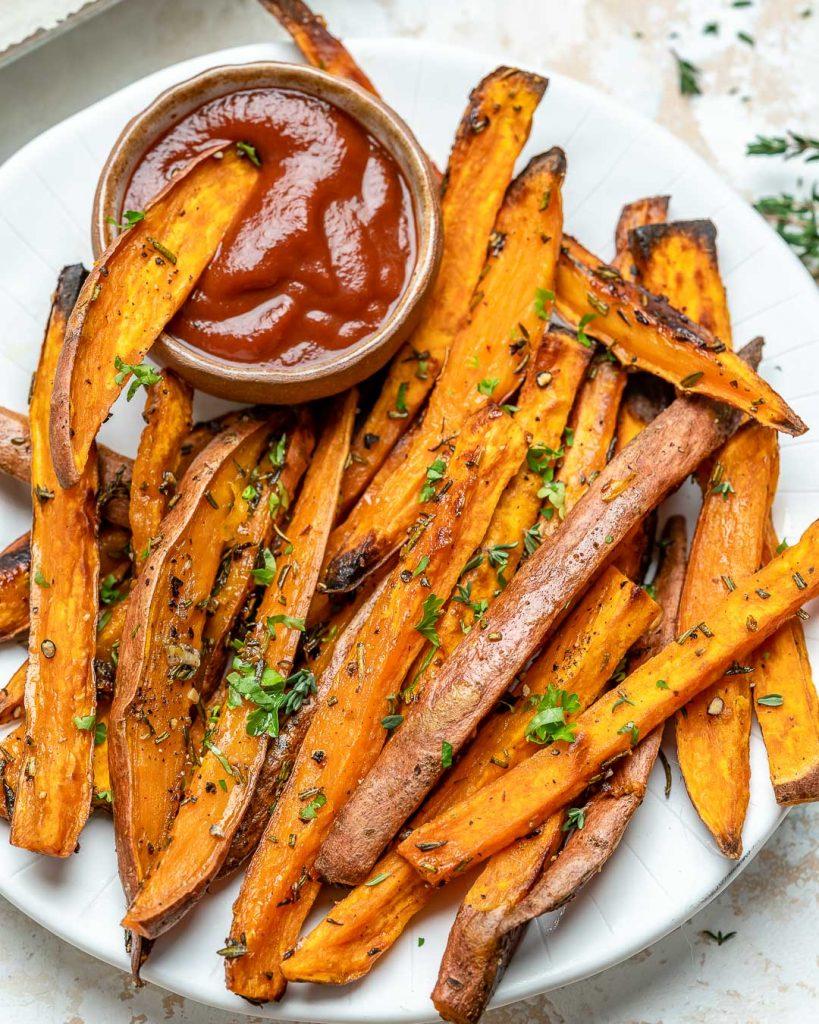 Garlic Herb Baked Sweet Potatoes